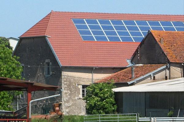 Centrale photovoltaïque<br>en Franche-Comté à Sornay (Haute-Saône) 9kWc